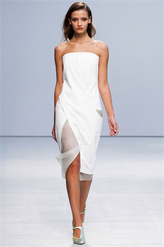 Ann-Valerie-Hash-total-white-