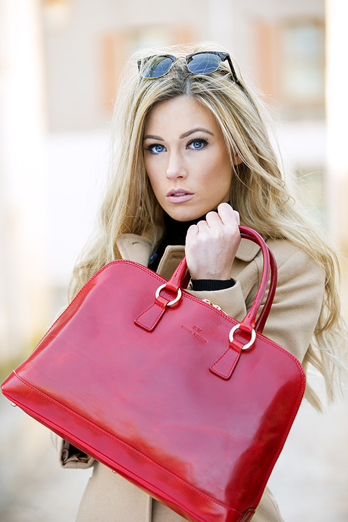 Brenda-MacLeod_Model-carrying-Red-Fiona-Tote