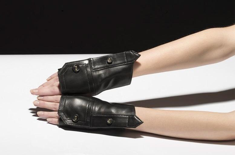 Catherine-Osti-black mittens