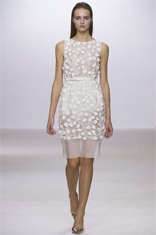 Giambattista-Valli-total-white