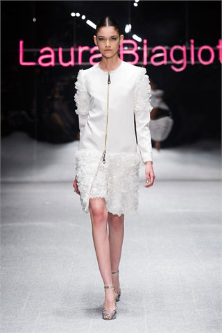 Laura-Biagiotti-total-white