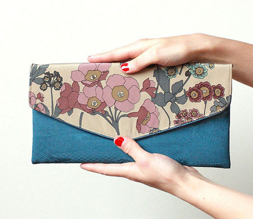 Midsummer-flowers-Romy-envelope-clutch---Limited-edition