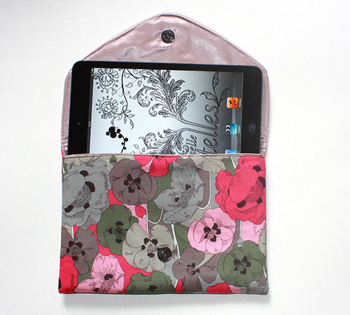 Pink-poppies-Lolie-envelope-clutch