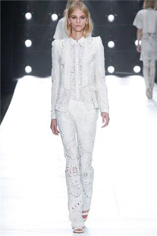 Roberto-Cavalli-total-white