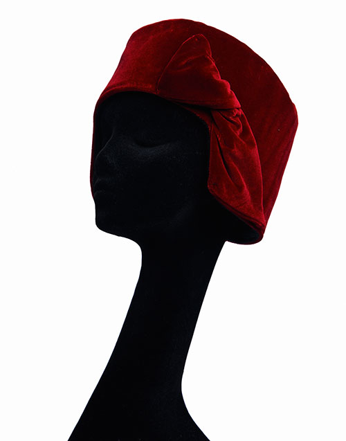 Sciume'-ruby-hat-with-bow