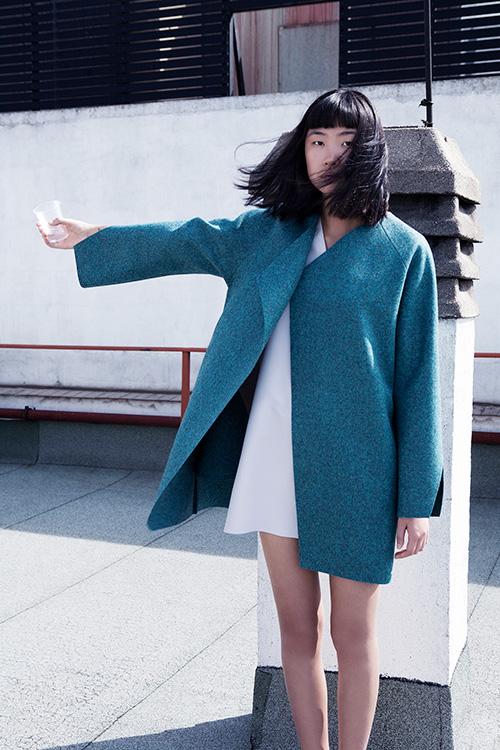 Yulia-Yadryshnikova-teal-coat